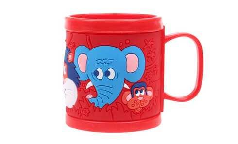 obrázek Hrnek dětský plastový (červený zvířátka)