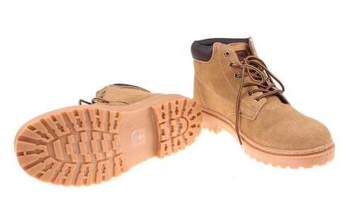 Kotníkové boty Tag