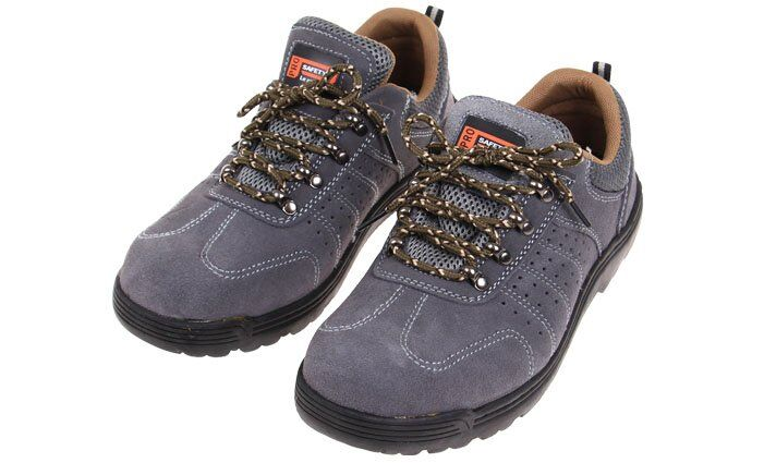 Pracovni boty s kovovou spickou  db0bbb7716