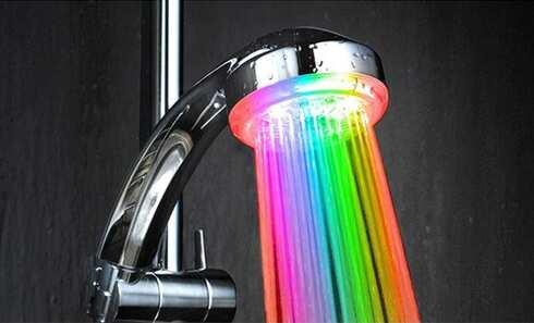 obrázek LED svítící sprcha