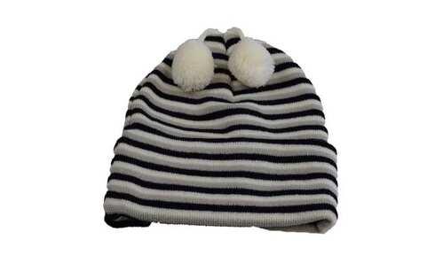 obrázek Čepice dětská zimní s bambulkami černo-bílá