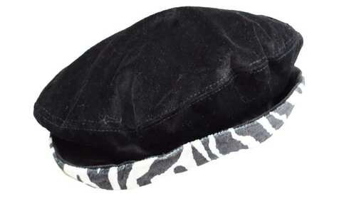 obrázek Klobouk černý s pruhovaným lemem 56