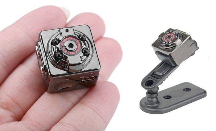Mini DV kamera stříbrná