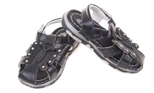 obrázek Dětské sandálky blikající černé vel.22