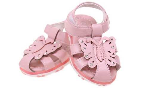 obrázek Dětské sandálky blikající růžové vel.24