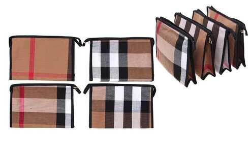 obrázek Kosmetická taška s geometrickým vzorem hnědá