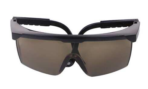 obrázok Plastové slnečné okuliare č.2 - hniede